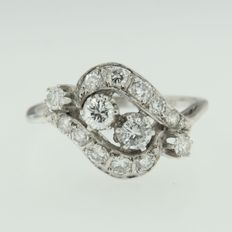 14 k white gold ring set with 14 brilliant cut diamonds