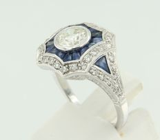 14 kt white gold ring in art deco style, set with sapphire and old Amsterdam cut and octagon cut diamonds