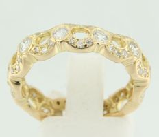 18 kt yellow gold ring,  set with brilliant cut and octagon cut diamonds