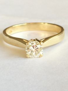 Yellow gold solitaire with a 0.43 ct brilliant-cut diamond (J, VVS)