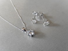 18k Gold Diamond Pendant and Earring Set - 1ct total  I, SI1