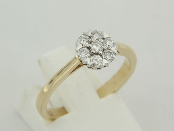 Anello entourage in oro bicolore 14 kt con diamanti a taglio brillante