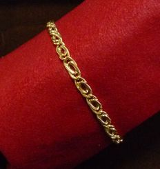Bracelet in 18 kt gold  Tourbillon links