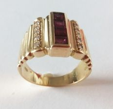 Gold ring with rubies and diamonds