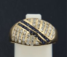 18 kt yellow gold ring, set with 24 brilliant-cut sapphires and 46 brilliant-cut diamonds, ring size 17.25 (54)