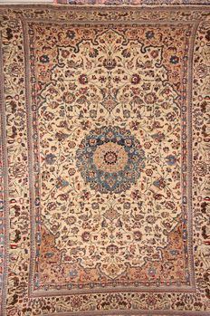 "Old Persian silk and wool Todeshk Nain rug circa 1950 size 235x157cm (7'7""x5"")"
