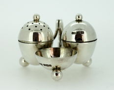 Miniature Salt / Pepper Holder and Shaker, Made in Sheffield 1912 By H Fisher & Co