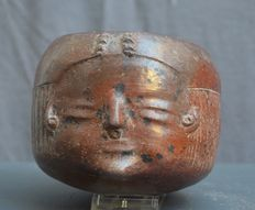 Pre-Colombian earthenware pot with a face - 9.5 cm