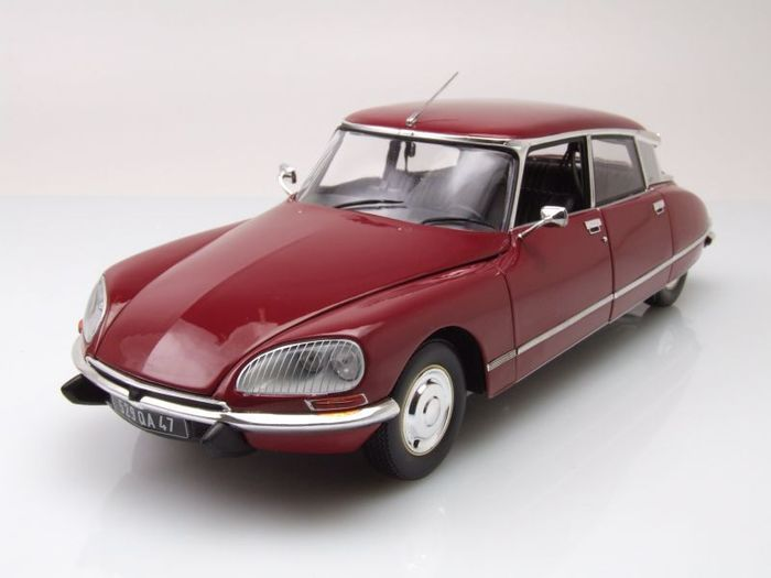 Norev - Scale 1/18 - Citroën DS23 1973