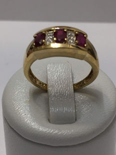 18 kt gold ring, diamonds and rubies, 1.23 ct in total - size 54