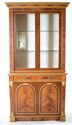 Neoclassical style display cabinet - Italy, 1980s