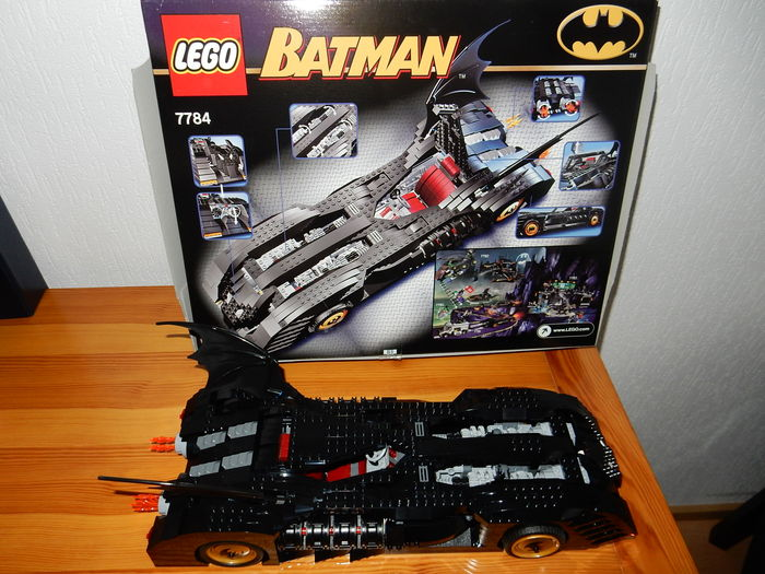 Batman - 7784 - The Batmobile Ultimate Collectors' Edition