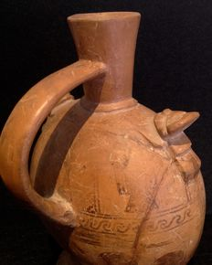 Pre-Columbian vase with lying Naymlap figures - Lambayeque culture - 21 cm