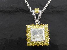White gold pendant set with radiant cut diamond of 1.51 ct in total.