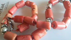 Red bamboo coral necklace, 100% natural - Hand carved