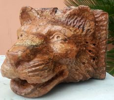 Mask - head of a wolf for fountain, in Verona red marble - Italy - 19th century