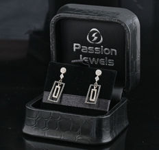 Sterling silver diamond earrings total approx. 0.33ct N o Reserve G-H & black / SI1-SI2 /  Measurements: 22.2 x 7.2 x 10.5mm