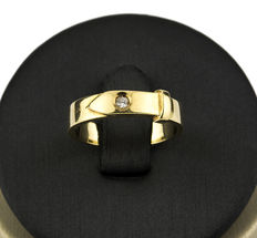 Yellow gold ring, set with a brilliant cut diamond weighing 0.50 ct.