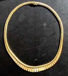 Women's necklace, 750 gold, 79 g.