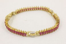 Ruby bracelet with natural diamonds - 18 kt yellow gold