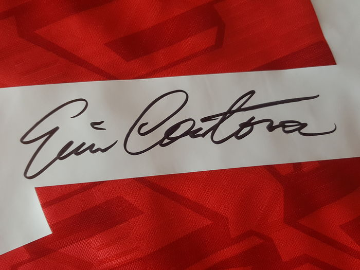 2dff0d622 Eric Cantona - Official retro Manchester United 1994 FA Cup Final Jersey no.  7 - hand signed by Cantona + COA incl. photo proof.