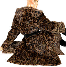 Trendy fur jacket fur parka rabbit real fell in tiger pattern with hood parka jacket