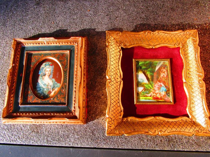 2 miniatures painted on natural material, France/Italy - first half of 20th century