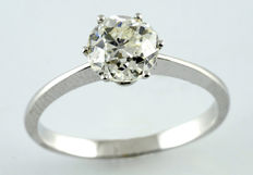 White gold solitaire ring with 1.25 ct diamond