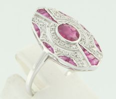 14 kt white gold ring in Art Deco style set with ruby and diamond