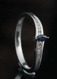 18kt diamond and sapphire ring total 0.08ct & 0.14ct - size 54 & G-H/SI1-SI2. Geen reserve prijs