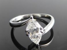 White gold ring with marquise cut diamond of 1.05 ct *no reserve*