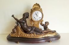 Large imperialistic mantel clock - approx. 1982