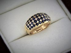 Yellow gold (18 kt) ring with 2.45 ct sapphires and diamonds - size: 53.