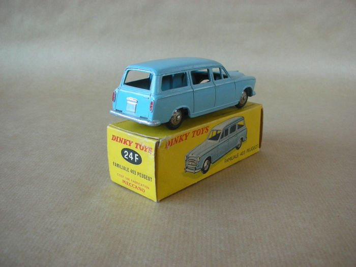 Dinky toys fr gb chelle 1 43 lot avec peugeot 403 for Garage peugeot chelles