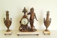 Antique pendulum mantel clock - bronze with candlesticks - approx. 1860.