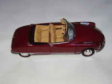Norev - Scale 1/18 - Citroen DS 19 Convertible 1961