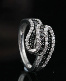 Sterling silver diamond ring total 0.80ct & size 54. G-H and black /SI1-SI2 & No Reserve Price