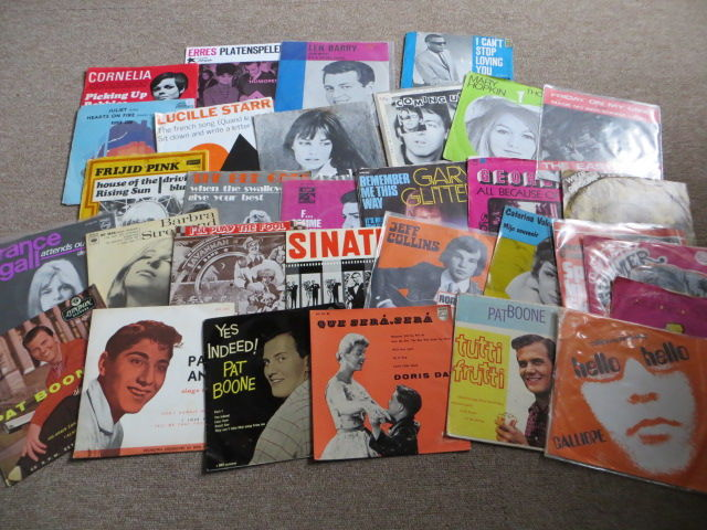 Pop, Beat, Rock 'n' Roll Various Artists - Lot of thirty (30) EP's and SINGLES - Fifties, Sixties and Seventies in picture sleeves