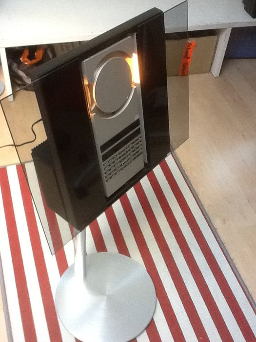 Bang & Olufsen BeoSound 3000 mk2 with Beo4 and stand