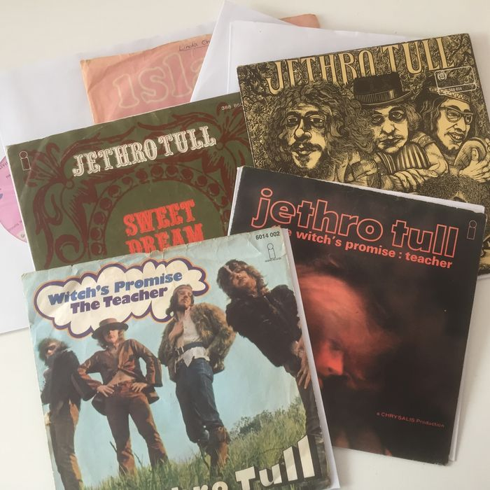 Jethro Tull, wonderful collection of 9 seven inch singles, including many pink Island label originals