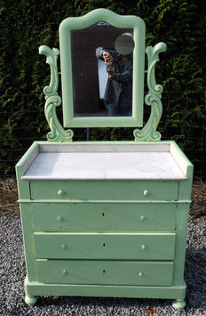 Chest of drawers with marble top