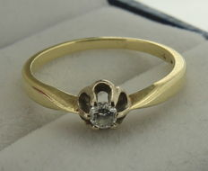 Bicolour 14 kt diamond solitaire ring 0.10 ct - size 17