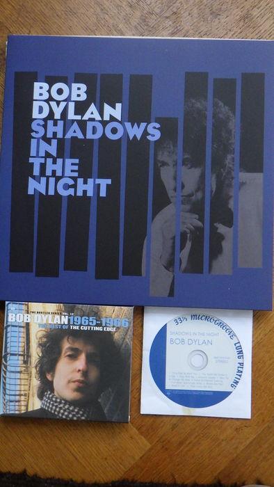 Bob Dylan 4 X Vinyl LPs Desire - Planet Waves - More Greatest Hits -  Shadows in the Night Vinyl + CD and Book Bob Dylan Kronieken - Catawiki