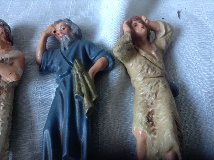 how to make paper mache nativity figures