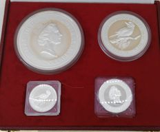 Australia - Case with Kookaburra coins-fine silver- 1kg-10ounces.-2ounces-1ounces - year 1995- almost 1500 grams of fine silver - investment