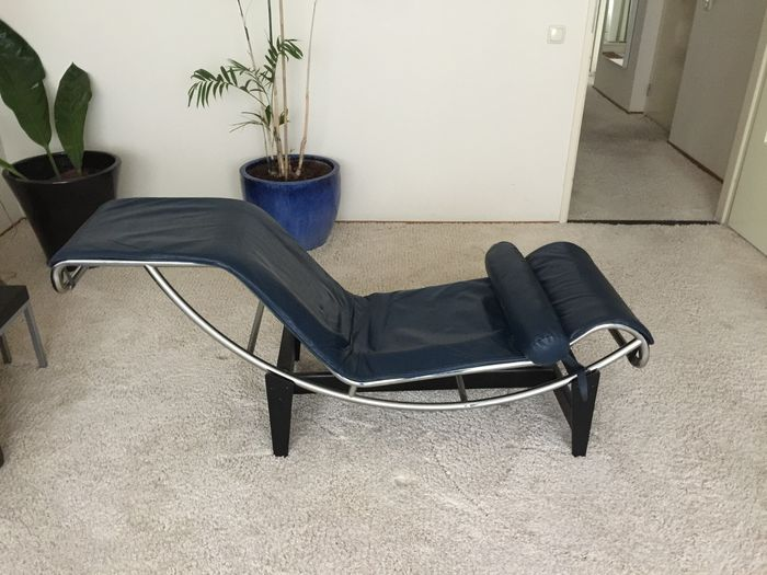 Le corbusier by cassina chaise longue lc 4 catawiki for Chaise longue le corbusier vache