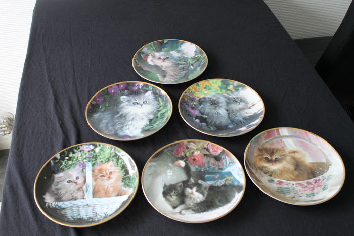 Nancy Matthews Set Of 7 Decorative/wall Plates