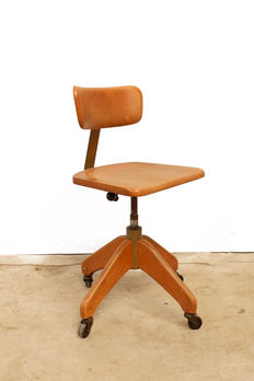 Designer unknown - Vintage design architect's chair