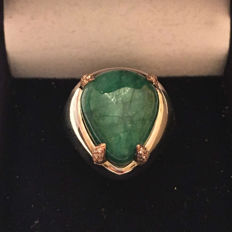 18 kt white gold ring with 12.10 ct emerald and diamonds - no reserve price
