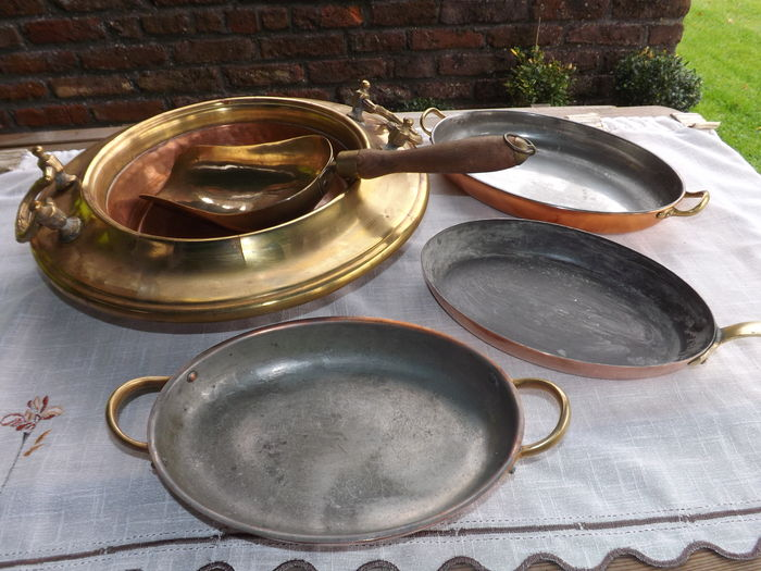 antique dry fruit bowl with its scoop 3 frying pans in tinned copper. Black Bedroom Furniture Sets. Home Design Ideas
